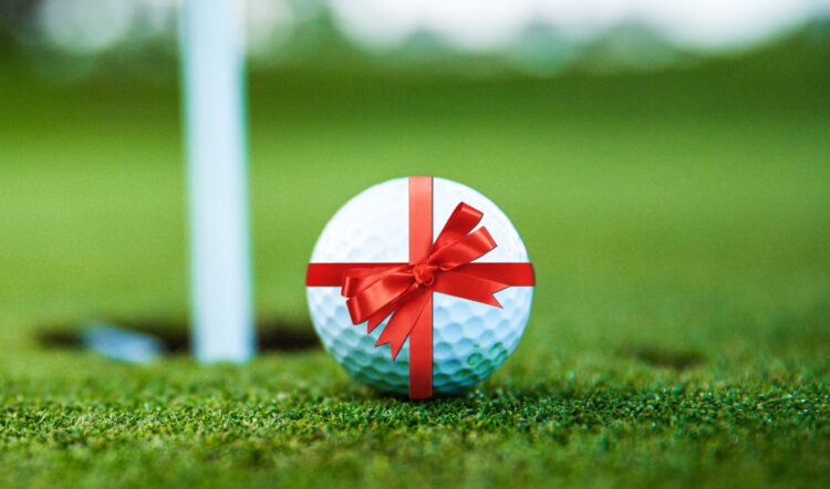 The 10 essential gifts for golf lovers